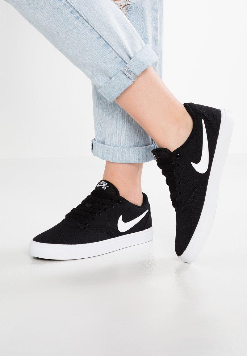 Nike SB - CHECK SOLAR - Sneaker low - black/white/pure platinum