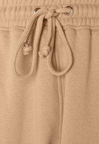 Missguided - SCOOP NECK BRALET 90'S SET - Spodnie treningowe - camel - 7
