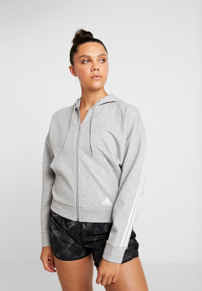 adidas Performance - 3STRIPES ATHLETICS HODDIE PULLOVER - Huvtröja med dragkedja - medium grey heather/white