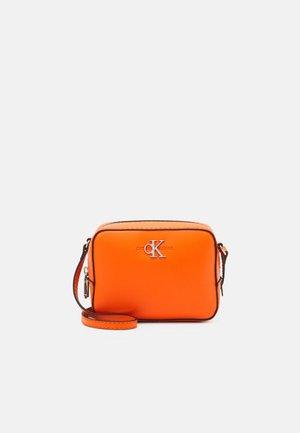 CAMERA BAG - Skulderveske - orange