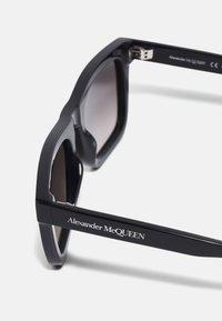 Alexander McQueen - UNISEX - Solbriller - black/grey - 2