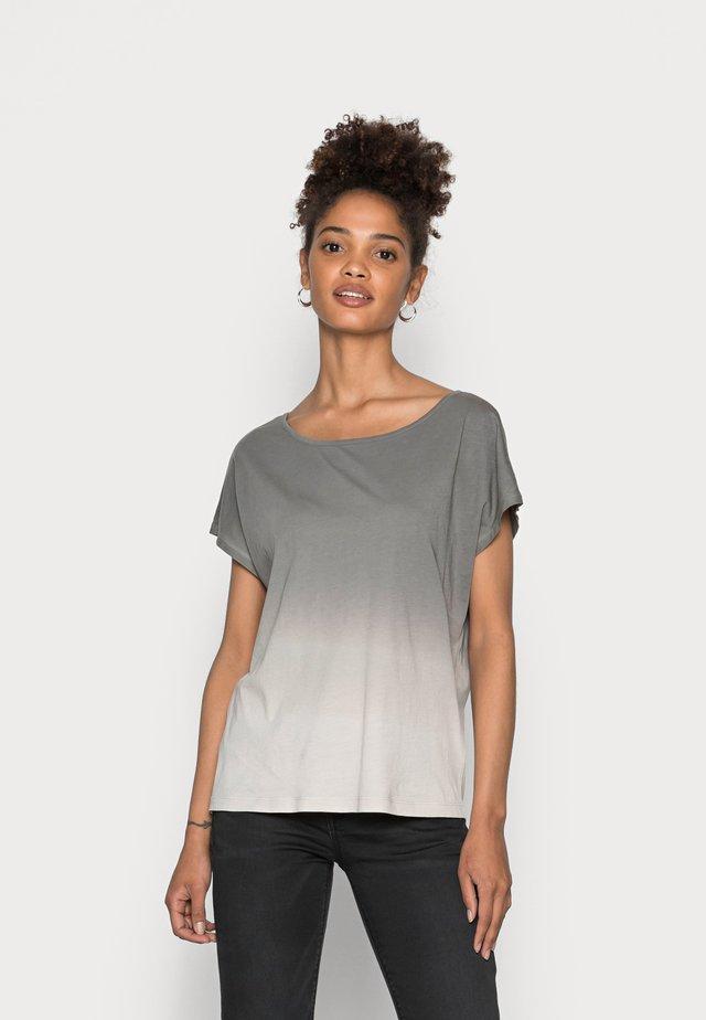 SHORT SLEEVE DIP DYE - T-Shirt print - combo jersey