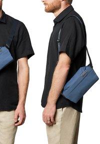 Bellroy - SLING MINI - Bum bag - marine blue - 1