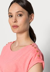 Esprit - TEE - Basic T-shirt - coral - 3