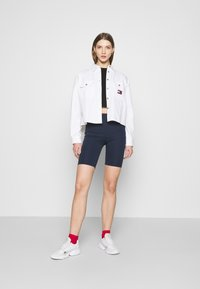 Tommy Jeans - CROPPED UTILITY - Camisa - white - 1