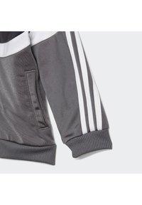 adidas Performance - CHÁNDAL SHINY BADGE OF SPORT  - Chándal - black - 8