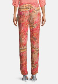 Betty Barclay - Trousers - red/camel - 2