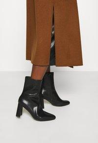 IVY & OAK - BELTED COAT - Classic coat - gingerbread - 4