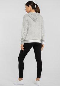 Bench - Zip-up sweatshirt - grau-meliert - 2