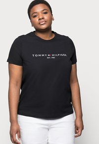 Tommy Hilfiger Curve - REGULAR TEE - Print T-shirt - black - 3