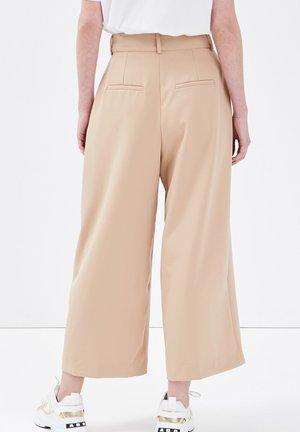 Pantalones - beige
