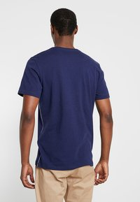 TOM TAILOR - TEE - Print T-shirt - true dark blue - 2