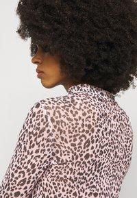 New Look Petite - ANIMAL  - Maglietta a manica lunga - pink - 4