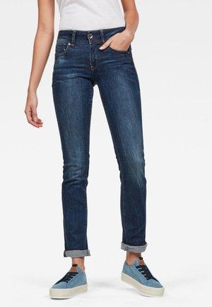 MIDGE - Slim fit jeans - dark blue