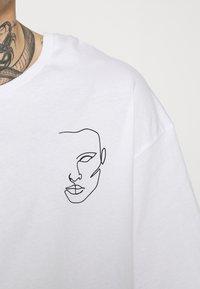 Jack & Jones - JORJACE TEE CREW NECK - T-shirt imprimé - white - 5