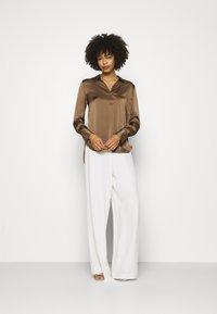 IVY & OAK BRIDAL - Spodnie materiałowe - snow white - 1