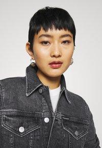 Calvin Klein Jeans - CROPPED JACKET - Denim jacket - denim grey - 4