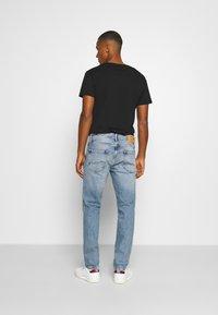 Jack & Jones - JJICLARK JJORIGINAL - Jeans straight leg - blue denim - 2