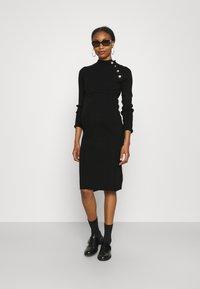 Supermom - DRESS BUTTON - Sukienka dzianinowa - black - 3