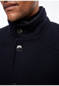 s.Oliver BLACK LABEL - STEHKRAGEN - Short coat - dark blue