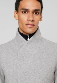 Jack & Jones PREMIUM - JPRCOLLUM - Short coat - light grey melange - 4