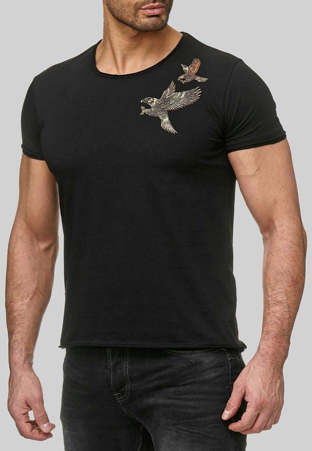 INDIANAPOLIS 3D ADLER AN DER SCHULTER - Print T-shirt - schwarz