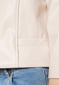 ONLY - ONLKIERA JACKET - Faux leather jacket - pumice stone - 4