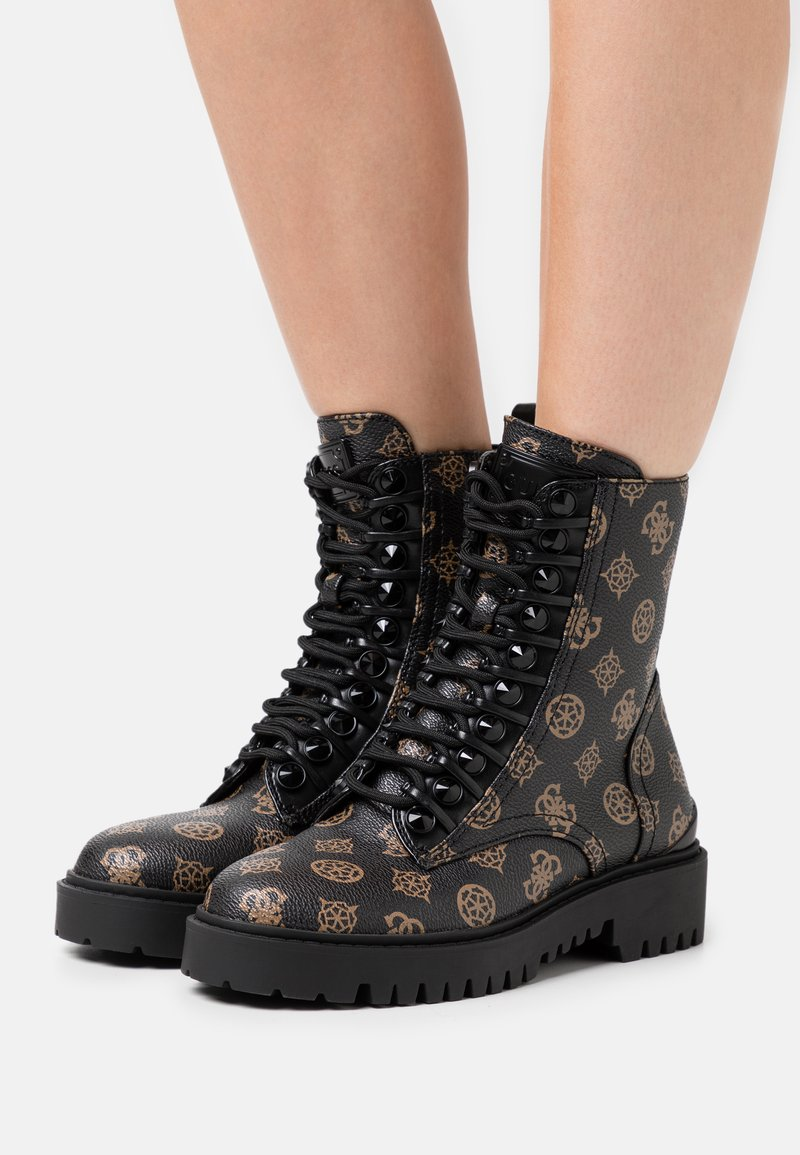 Guess - OXANA - Bottines à lacets - brown/ocra