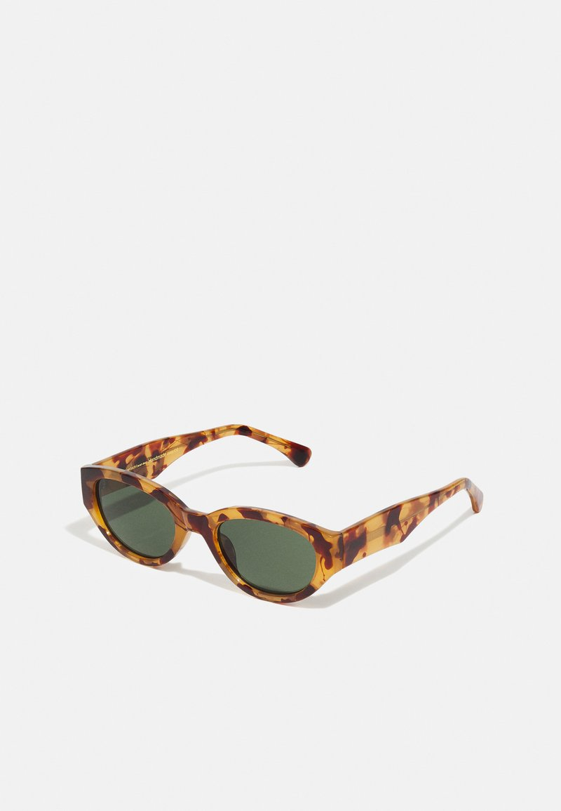 A.Kjærbede - WINNIE - Sunglasses - demi light brown transparent