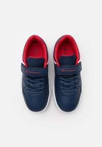 Champion - LOW CUT SHOE REBOUND UNISEX - Basketball shoes - new navy - 3