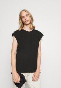 Weekday - SLY TANKTOP - Basic T-shirt - black - 0