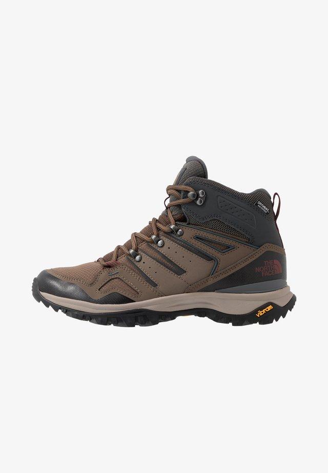 M HEDGEHOG FASTPACK II MID WP (EU) - Hiking shoes - bipartisan brown/dark shadow grey