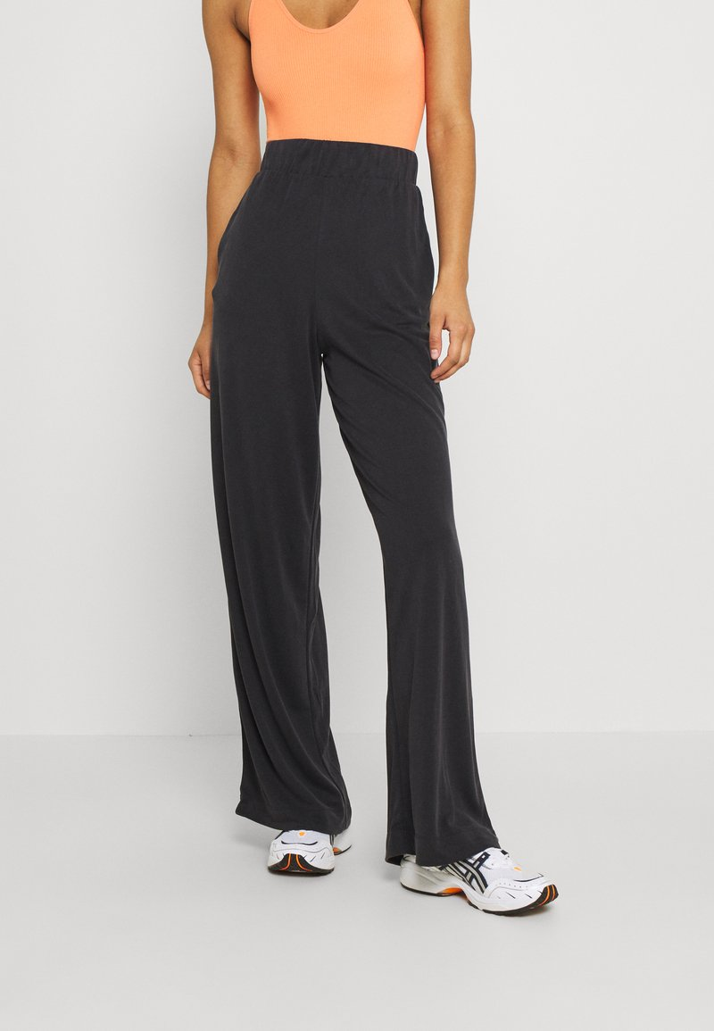 Monki - CLEO TROUSERS - Trousers - black dark