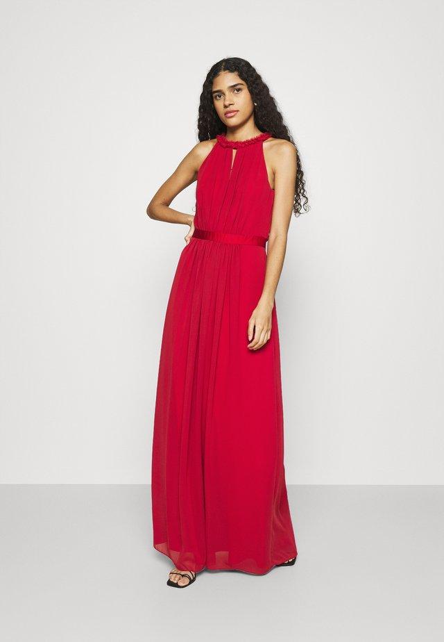 Společenské šaty - tango red
