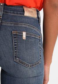 Liu Jo Jeans - UP DIVINE - Jeans Skinny Fit - denim blue - 6