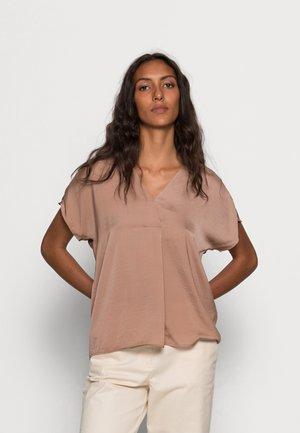 RINDA - Basic T-shirt - camel