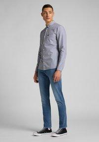 Lee - Shirt - cloudburst grey - 1