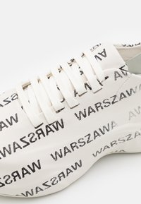 MISBHV - WARSZAWA MOON TRAINER - Zapatillas - white/black - 5