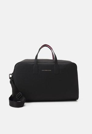 ESSENTIAL DUFFLE - Weekend bag - black