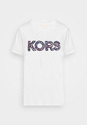 LOGO - T-shirts med print - white