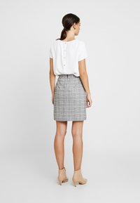 Great Plains London - PARADIS CHECK - A-line skirt - black combo - 2