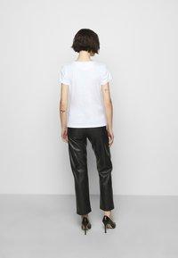 HUGO - THE SLIM TEE - Print T-shirt - white - 2