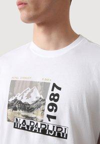 Napapijri - SULE - T-shirt print - white graphic - 3