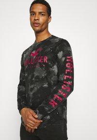 Hollister Co. - ICONIC - Långärmad tröja - black wash - 3