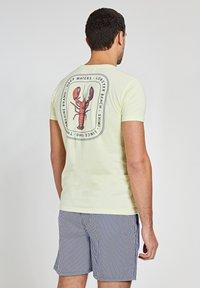 Shiwi - LOBSTER - Print T-shirt - miami lemon - 0