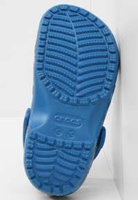 Crocs - CLASSIC SHARK CLOG CHILDREN  - Clogs - prep blue - 4