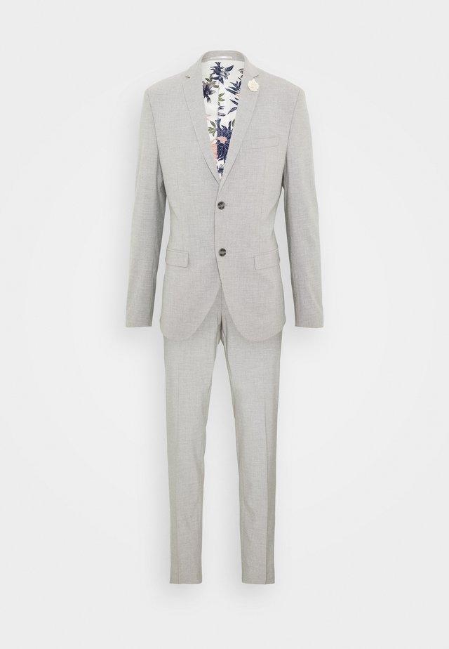 PLAIN LIGHT SUIT - Suit - grey