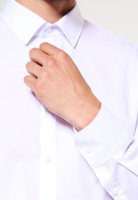 OLYMP - OLYMP NO.6 SUPER SLIM FIT - Formal shirt - weiss - 3