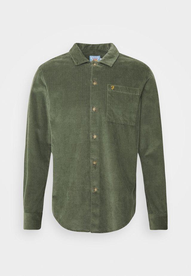 WYMAN - Vapaa-ajan kauluspaita - fern green