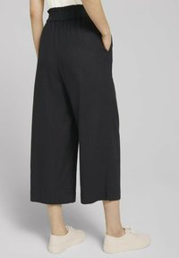 TOM TAILOR DENIM - Trousers - deep black - 2